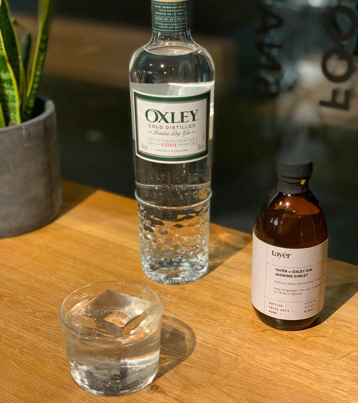 Oxley Gin Tayer cocktail