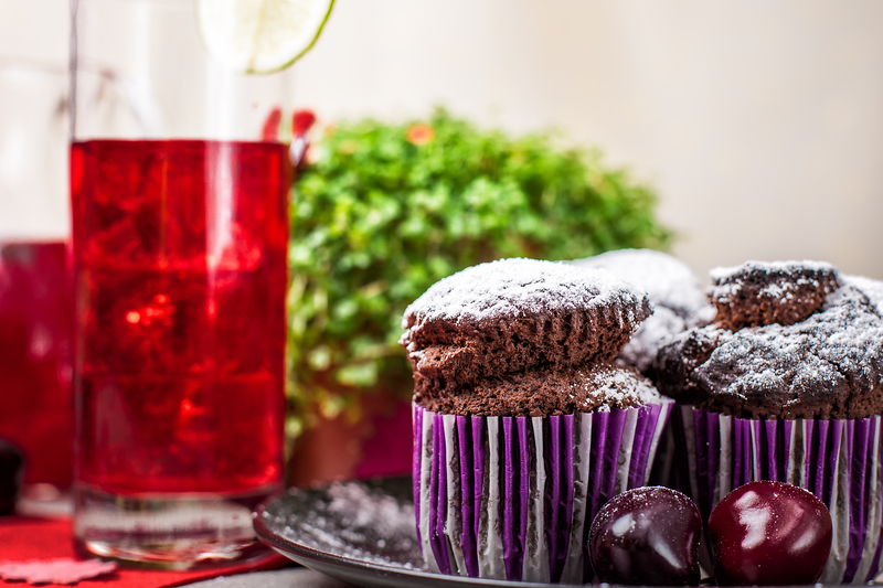 Mothers Day cake and gin drink pairings