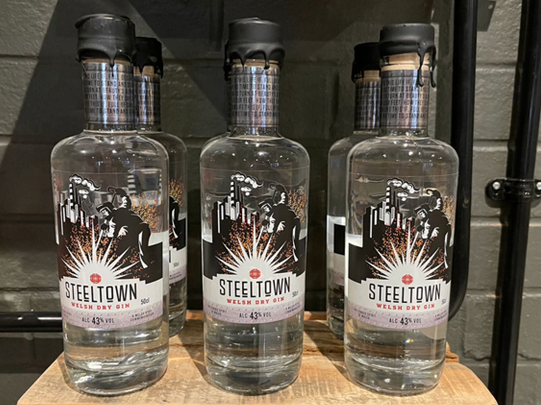 Steeltown Welsh Dry Gin from Spirit of Wales Distillery